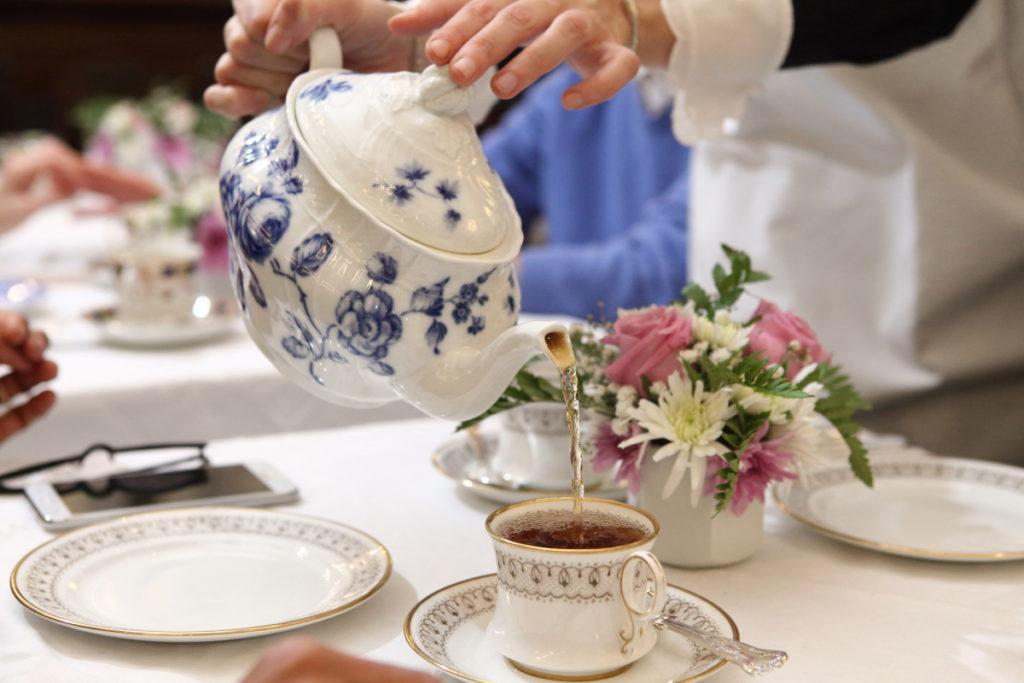 Babingtons e l'avventurosa storia di una famiglia che da 125 anni onora la tradizione della Tea Room Inglese di Roma